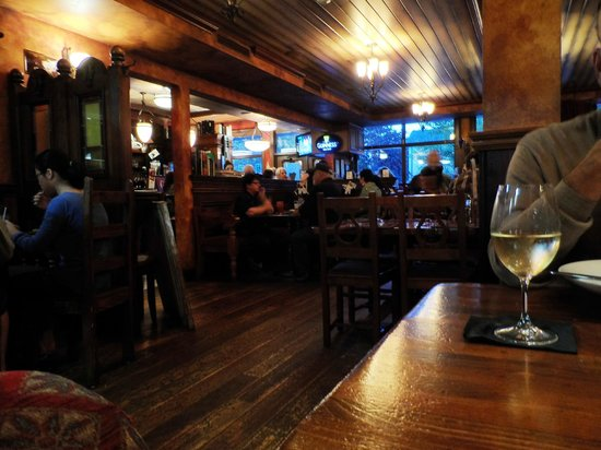 The Irish Harp Pub: Inside the pub