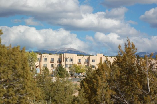 Homewood Suites Santa Fe: Entry exterior
