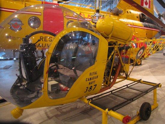 พิพิธภัณฑ์สงครามแคนาดา: Helicopter War Museum -sept. 2013
