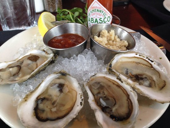 Morton's: Oysters on half shell (small order)