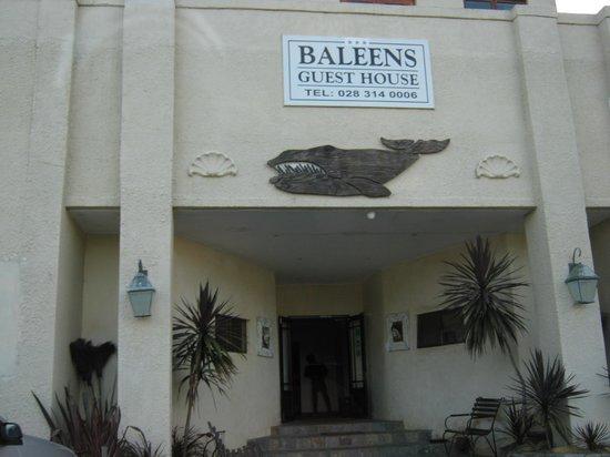 Baleens : Fachada do hotel