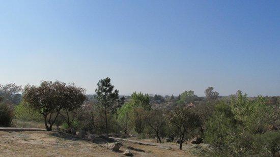 Complejo Las Hoyas: Vista desde afuera de la casa 2