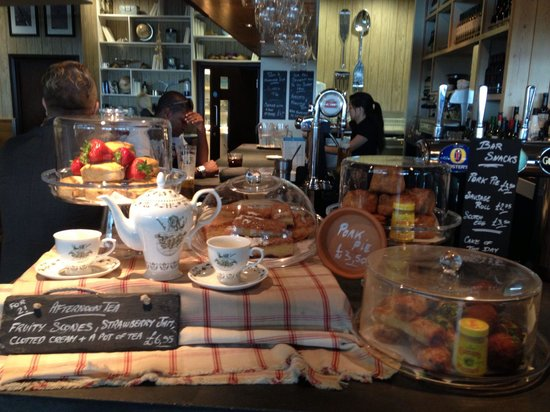 The 5 Tuns: afternoon tea