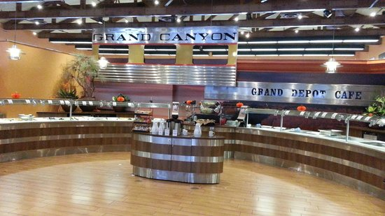 Grand Depot Cafe: buffet area