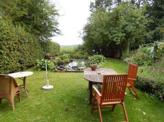 Saaxumhuizen, The Netherlands: Garden view from room