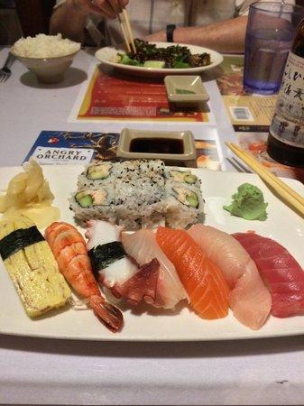 "Sansei Seafood Restaurant & Sushi Bar : ""Nissei combination"" sushi plate"