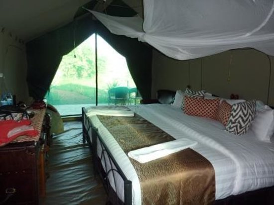 Kilima Valley Serengeti Tented Lodge: bedding