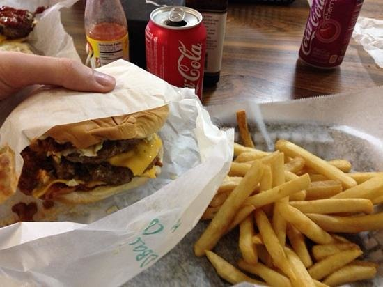 Claremont Cafe: Double Bacon Cheeseburger with French Fries