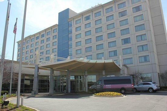 Hyatt Rosemont: ホテル外観