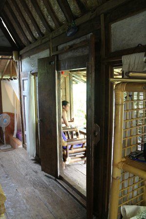 Swasti Eco Cottages : Komang, front doors and balcony