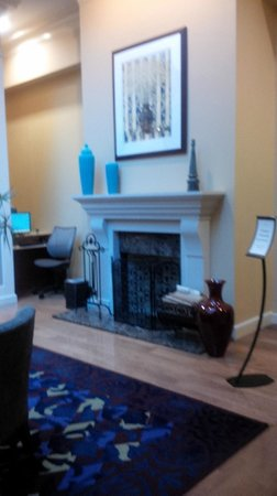 Club Quarters Hotel in Philadelphia: Lobby area