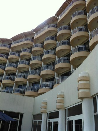 Grand Hotel And Casino: Hotel from the pool area