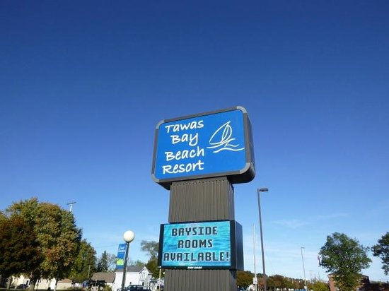 Tawas Bay Beach Resort: Hotel sign