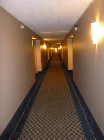 Tawas Bay Beach Resort: Hallway