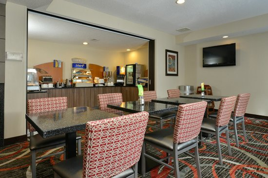 Holiday Inn Express Milford : Start your day with our Express Start Breakfast