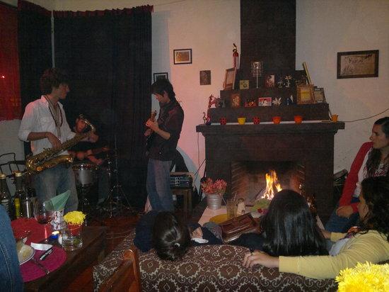 Cocoliche San Cristobal : Música en vivo