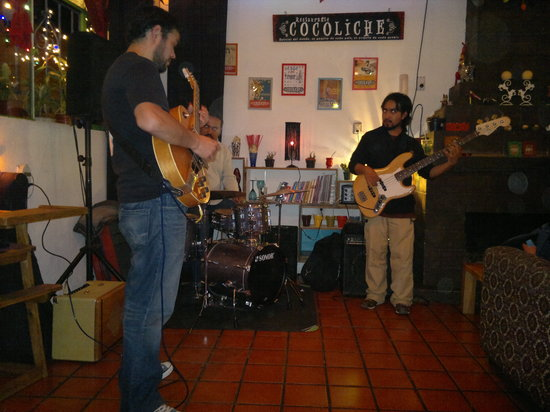 COCOLICHE: Música en vivo