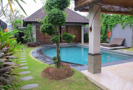 Kunti Villas: nice garden