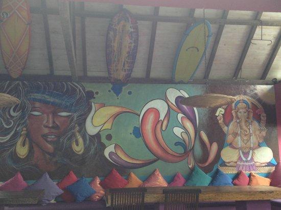 Rapture Surfcamp Bali: dining area