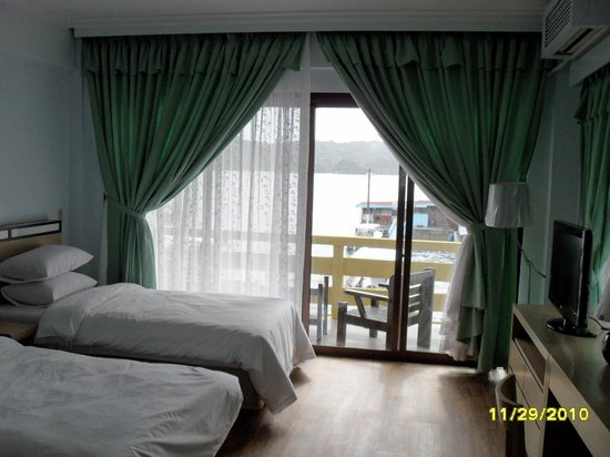 Blue Ocean View Hotel: room picture