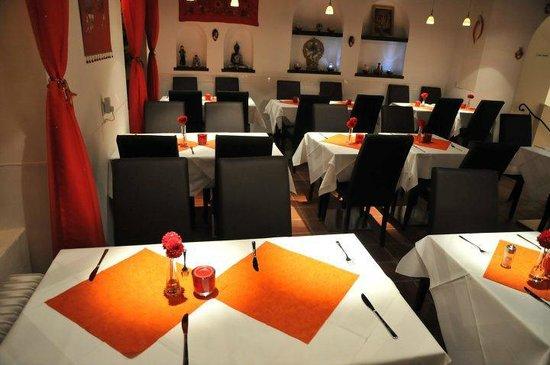 Restaurant Aangan: Interion