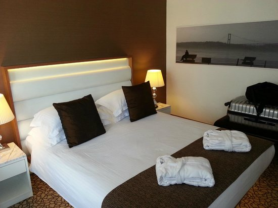 Richmond Hotel Istanbul: Love the bed. Soft, and comfy didn't wanna wake up!)