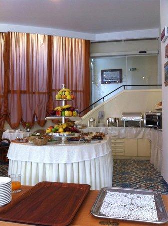 Antiche Mura Hotel: Breakfast buffet table2