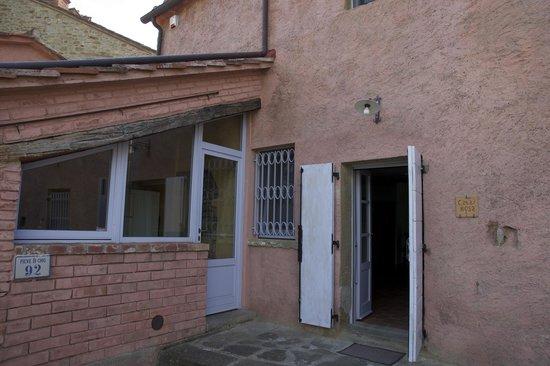 Casali in Val di Chio by Famiglia Buccelletti: La Casa Rosa 1