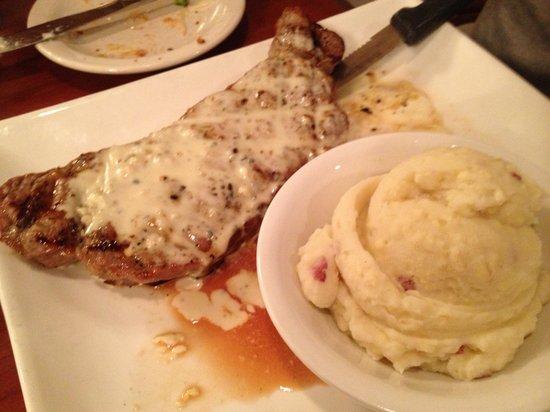 Clarion Inn: Food