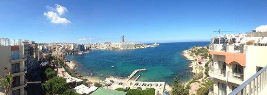 The Plaza & Plaza Regency Hotels: Foto scattata dall'attico con piscina..