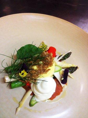 Balthazar Bar Restaurant: Asparagus, duck egg, Parmesan, tomato, burghul