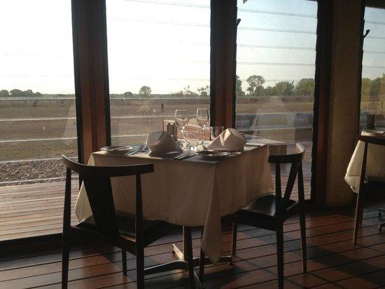 Wildman Wilderness Lodge: Beautiful breakfast with great views