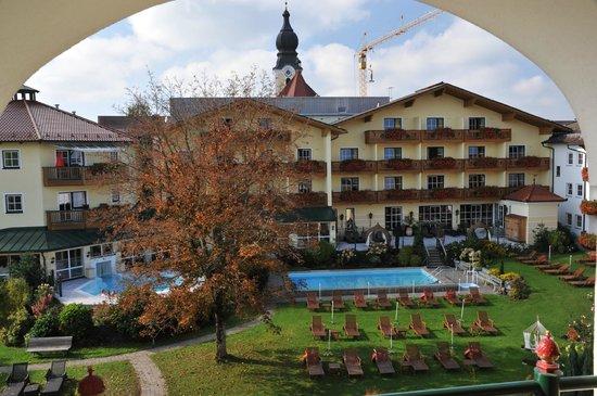 Wellnesshotel Jagdhof: Blick auf die Pools