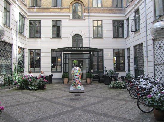 Copenhagen Crown Hotel : Entrance 1
