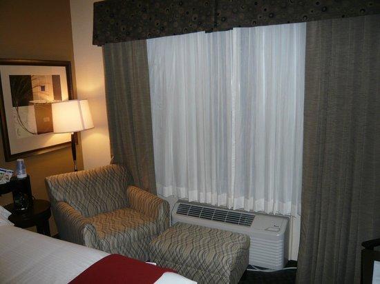 Holiday Inn Express & Suites Clinton: habitación