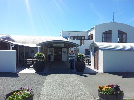 Marlborough Vintners Hotel: Reception entrance
