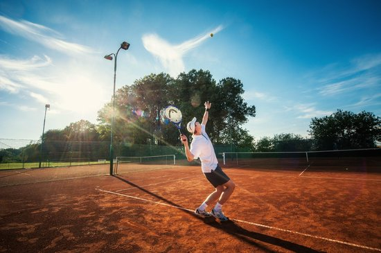 Pracharna Park Hotel Olomouc: Tennis courts