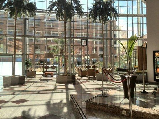 Apartamentos Fenix Beach: Entrada hoter Entrada hotel