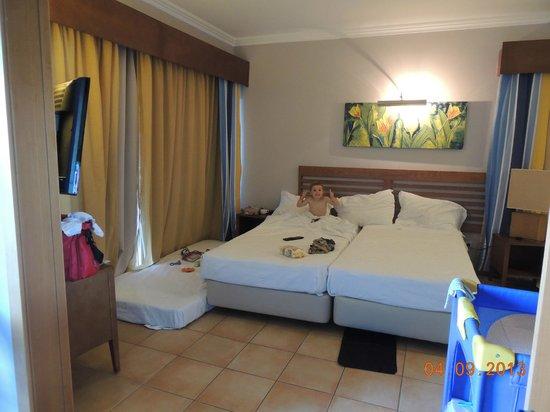 Αλγκάρβε, Πορτογαλία: Main bedroom area (kids room behind us)