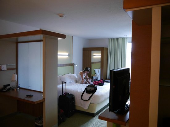 SpringHill Suites Vernal : Overall room view
