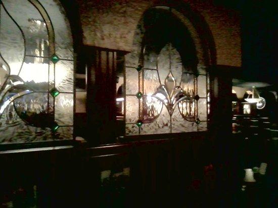 Okeechobee Steakhouse: Pretty stained glass