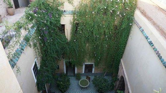 Riad Khol : Binnenplaats waar ontbijt wordt geserveerd