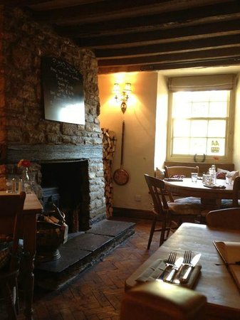 The Angel at Burford: dining