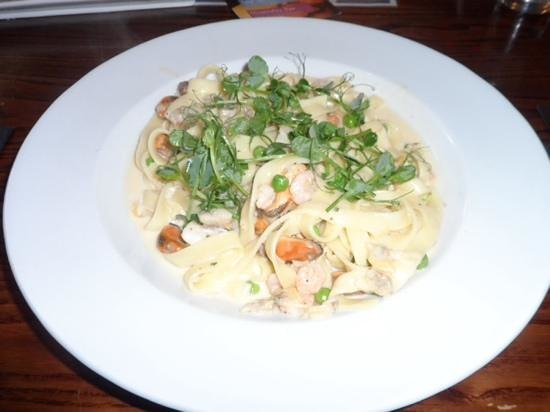 The Lilly Bar & Grill: seafood tagglitelle