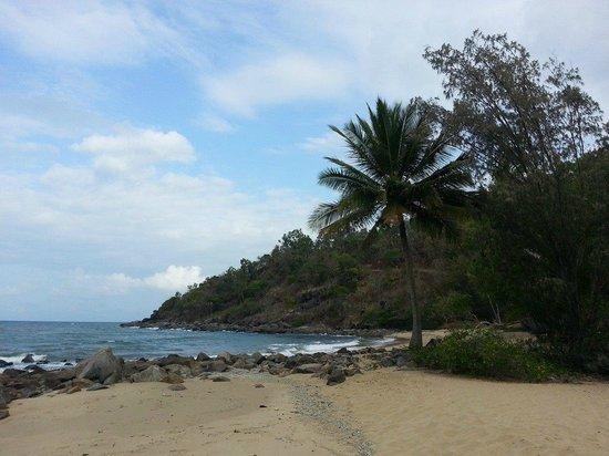 Turtle Cove Beach Resort: the smaller beach