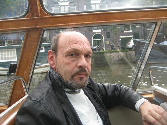 Emperor's Canal (Keizersgracht): В Амстердаме кораблики не роскошь,а средство передвижения