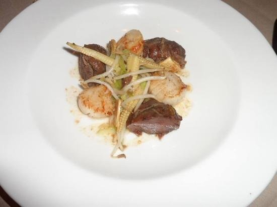 Terrace at St. Tudno Hotel: scallops & pork with oriental veg