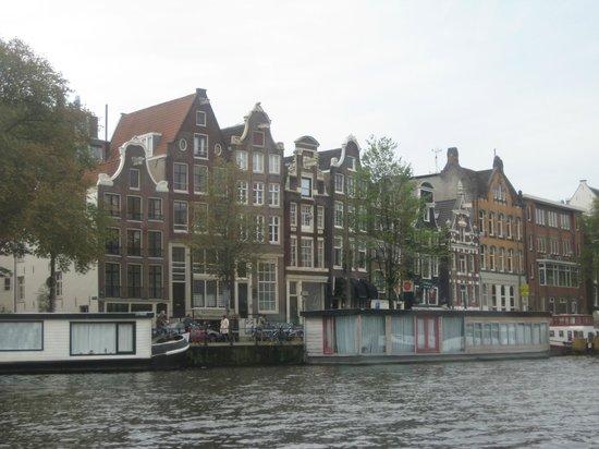 Emperor's Canal (Keizersgracht): Многое только со стороны каналов и увидишь