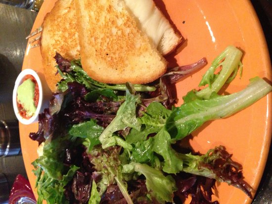 Kimpton Hotel Monaco Seattle : The most amazing grilled cheese and salad from attached restaurant