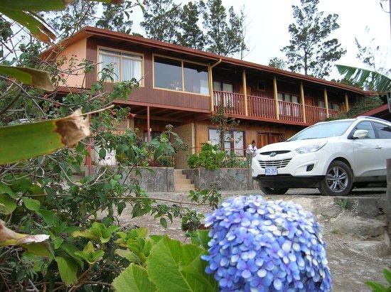 Camino Verde Bed & Breakfast Monteverde : Fachada Hotel Amanecer